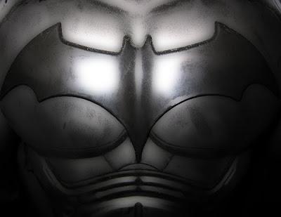 Bat-crest