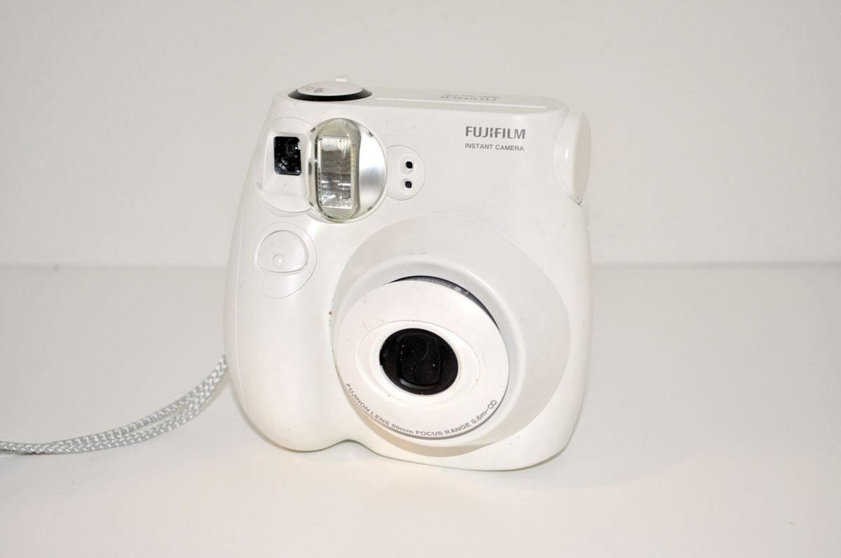 Polaroid Camera Urban Outfitters : Jlove s closet shop has moved instax mini s polaroid camera