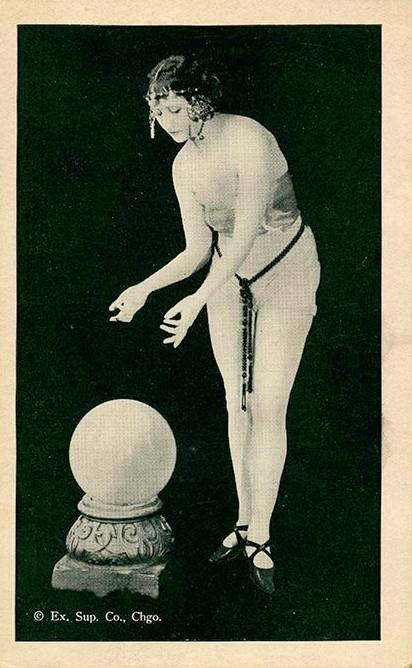POSTCARD - CHICAGO - EXHIBIT SUPPLY COMPANY - ARCADE CARD - PIN-UP - WOMAN