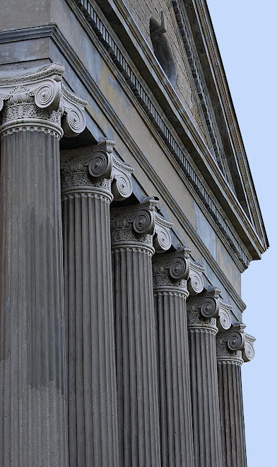 Columns of Old Courthouse, Vicksburg