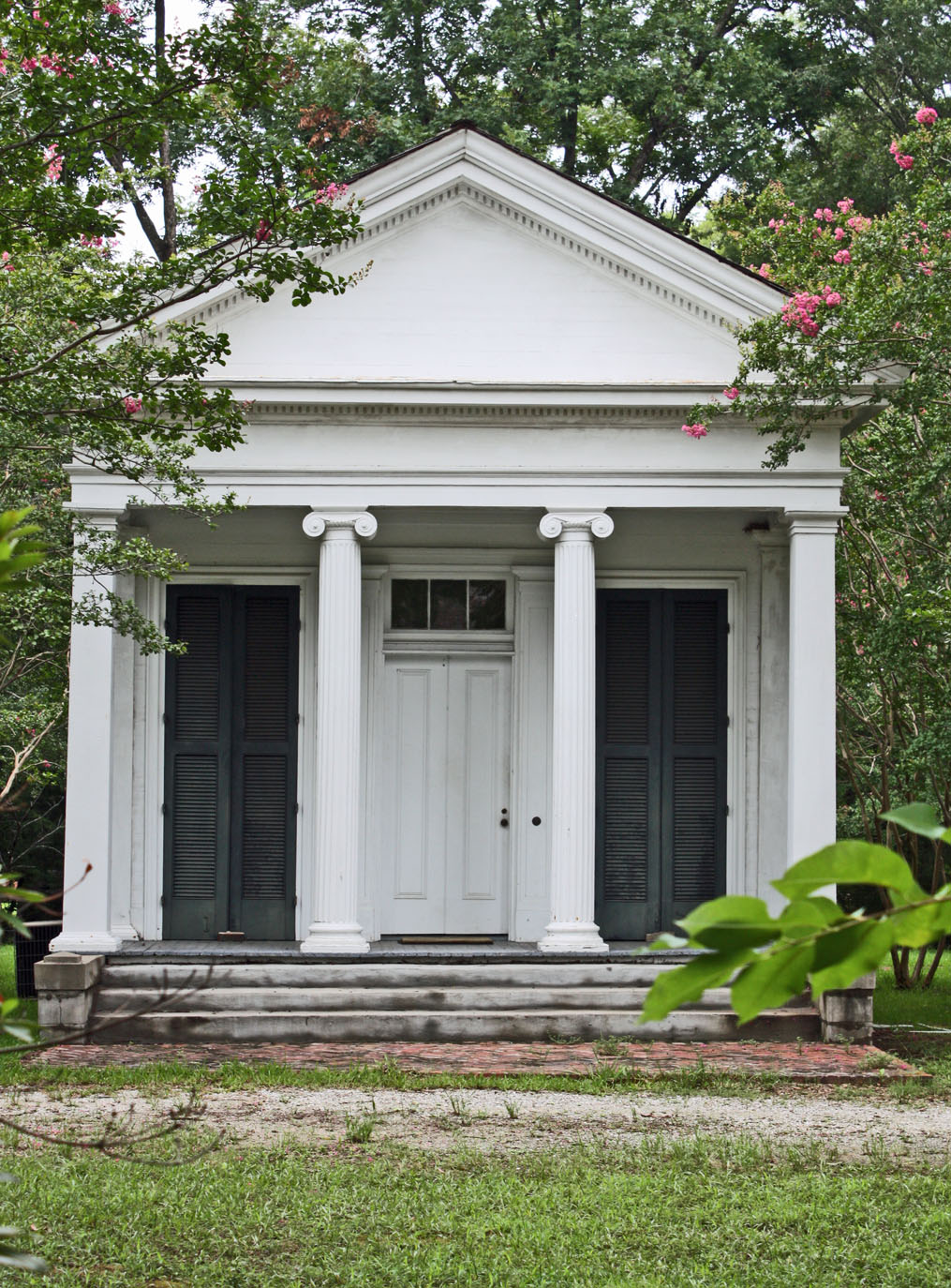 Southern lagniappe the historic houses of canton for Historic southern home plans