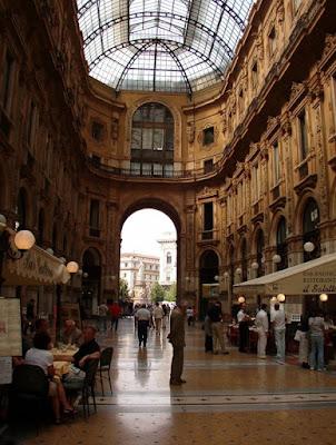 Milan Galeria de tiendas
