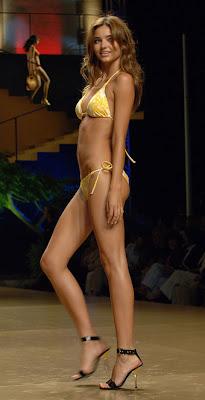 supermodel Miranda Kerr wears bikini