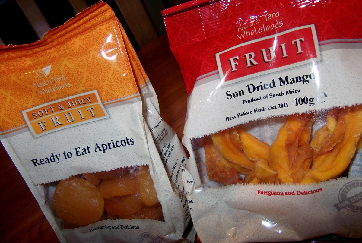 http://3.bp.blogspot.com/_NwQtJRkWjdo/TUGtnl0dIwI/AAAAAAAAGoM/VRqVCJPG-mU/s1600/Anna-Saccone-Vegan-Dried-Fruit.jpg