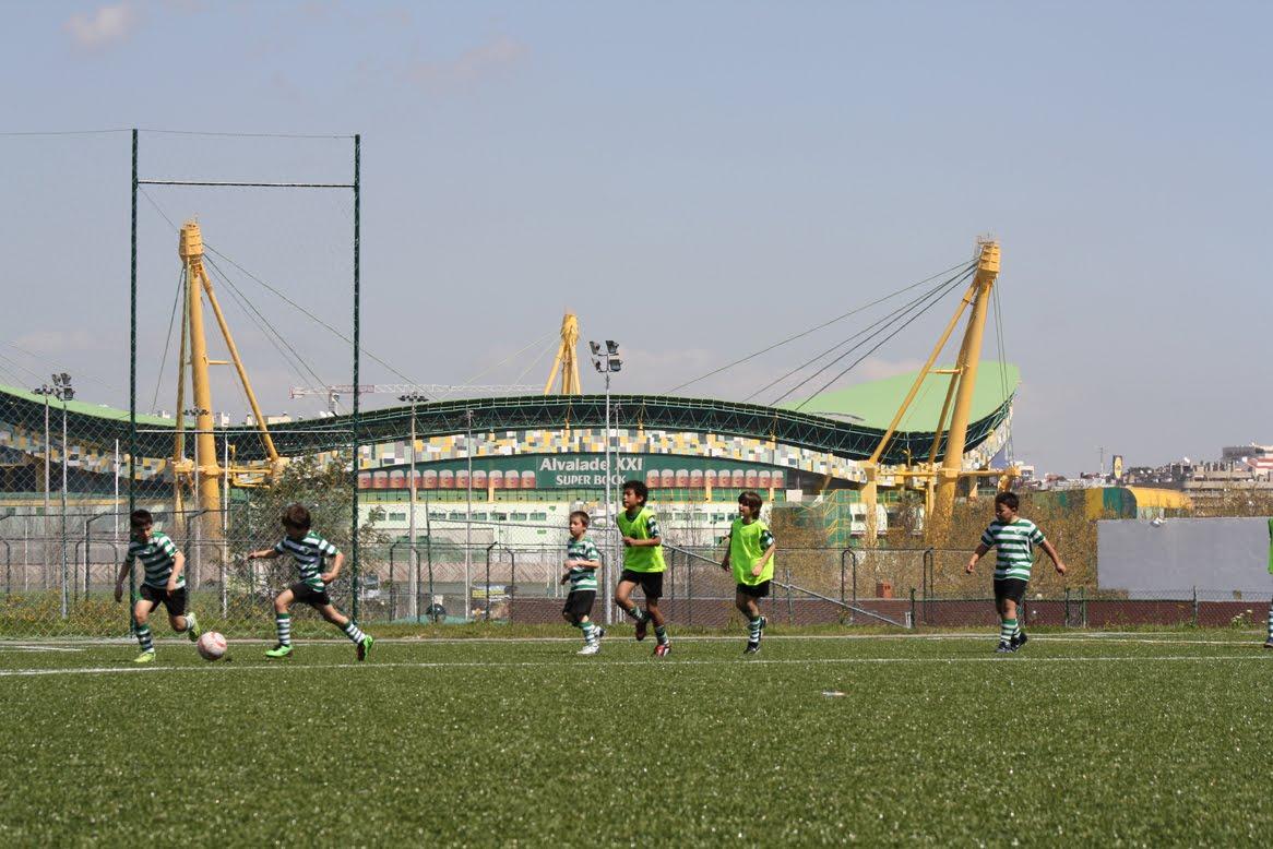 Escola academia sporting manique liga interna sub 11 for Puerta 9 estadio universitario
