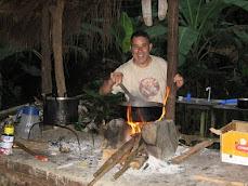Amin con su cocina nueva