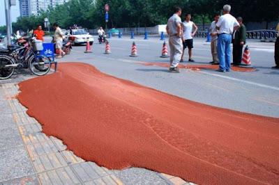 شيء غريب جدا في أحد طرق الصين-غرائب وعجائب-منتهى