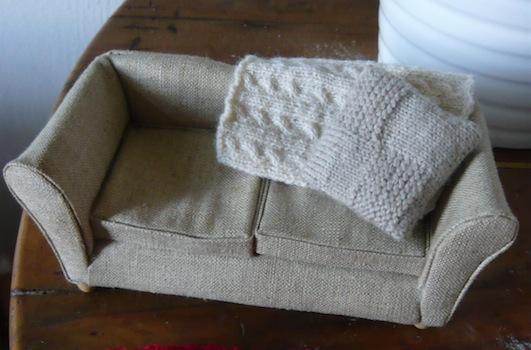 j 39 irai prendre le th chez vous tricots d 39 ameublement. Black Bedroom Furniture Sets. Home Design Ideas