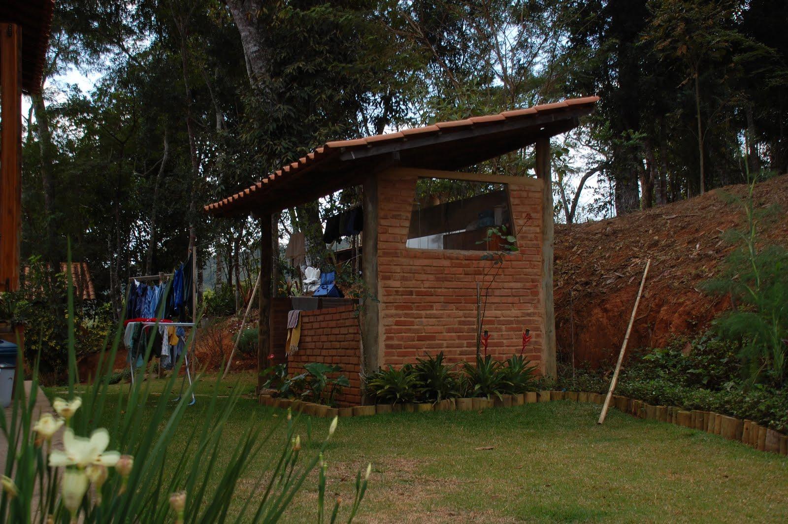 #604128 segunda feira 6 de setembro de 2010 3266 Janelas De Madeira Em Vicosa