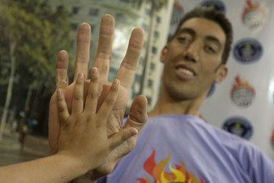 Real-Life Hulk Has the Biggest Hands You've Ever Seen- Denis ...