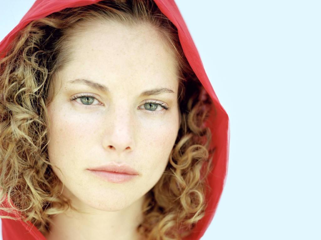 http://3.bp.blogspot.com/_O-0Bnf_2lH8/TPbLSzI-ziI/AAAAAAAAAC4/OFUDQgKEejU/s1600/Sienna-Guillory-6.jpg