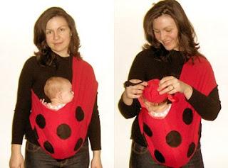 Η Ρέα, 3 μηνών ντυμένη πασχαλίτσα στη 'στολή' που φτιάξαμε μόνοι μας!