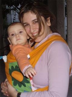 Ξεκούραστες αγκαλίτσες για τη μαμά και το μωρό