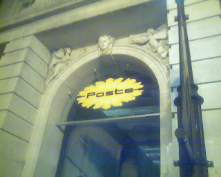 entrance to courtyard outside Poste restaurant