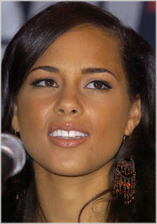 alicia keys11 Alicia Keys Beefing With Label?