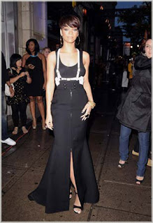 rihanna+7 Rihanna At MuchMusic Video Awards