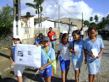 Saída da escola para as ruas
