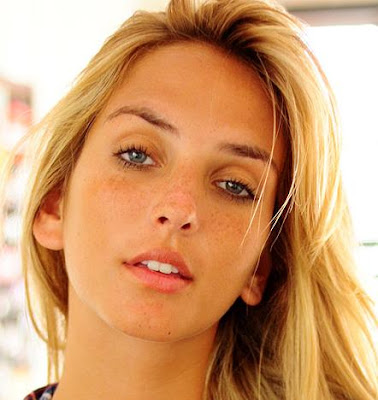 Gabriela Grecco Nude Photos 14