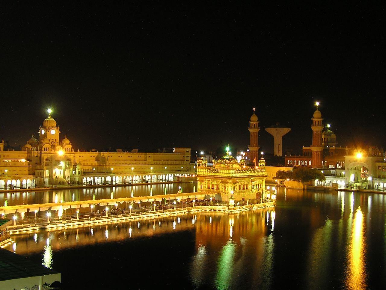 http://3.bp.blogspot.com/_O6DHEpMqQ4E/TArrQykL7mI/AAAAAAAAAHE/lGwR8tZVzwQ/s1600/golden-temple-night.jpg