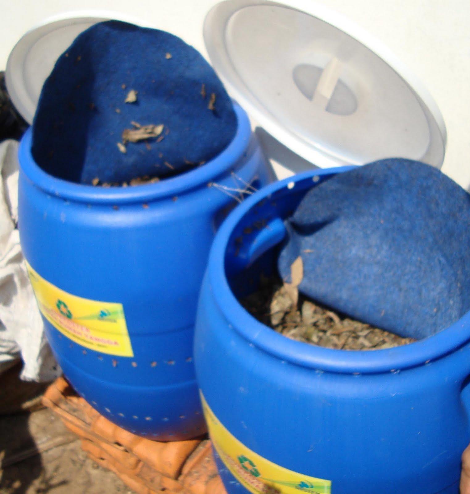Membuat Kompos dengan Komposter Aerobik