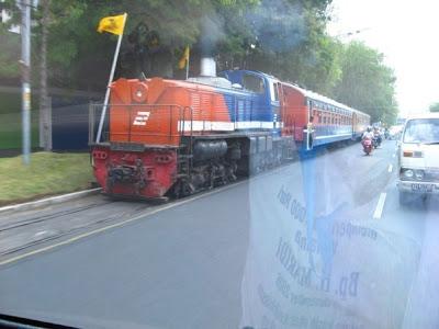 Rawannya Jalur Kereta Api di Indonesia