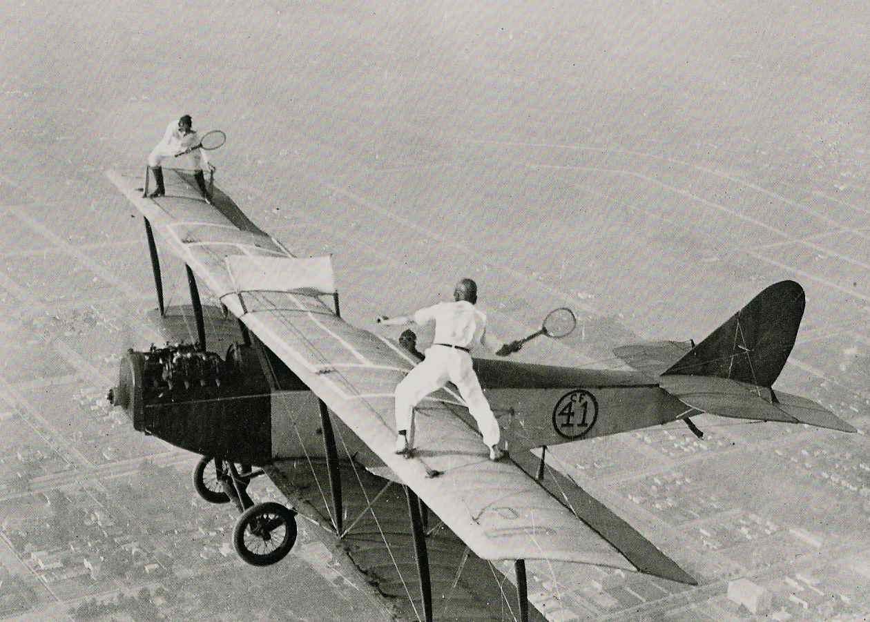 http://3.bp.blogspot.com/_O93HfUiFzt4/THFvs0UHFOI/AAAAAAAACbE/0vK3EaYBw9s/s1600/tennis_anyone.jpg