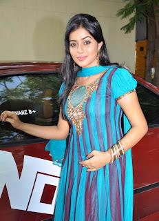 Blue Salwar Actress Poorna Hot