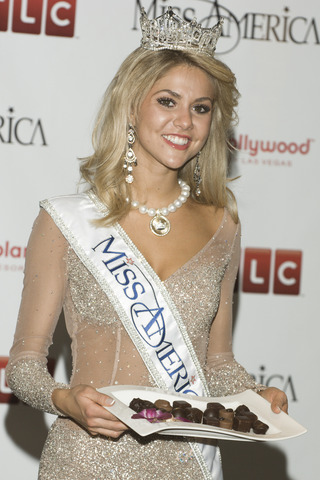MissAmerica2008KirstenHaglundA The Art Of Stage Hypnosis Review 3 hours ago | 0