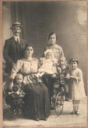 LA FAMILIA PATERNA