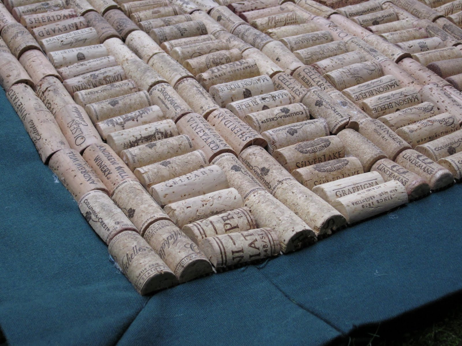 Seaddle bags wine cork mat for Wine cork welcome mat