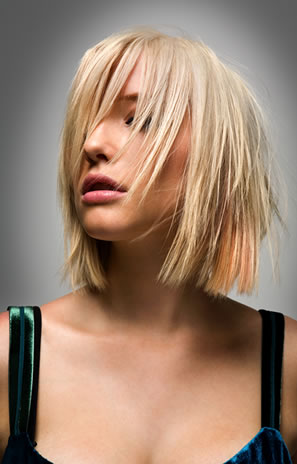 Want to look trendy with short hair styles