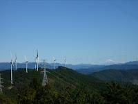 風車(4~10号機)と富士山