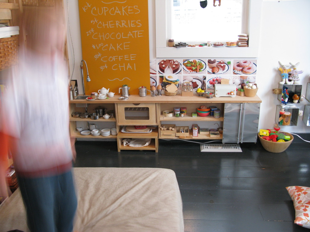 Il blog di celia vernice lavagna post number 2 for Playroom kitchen ideas