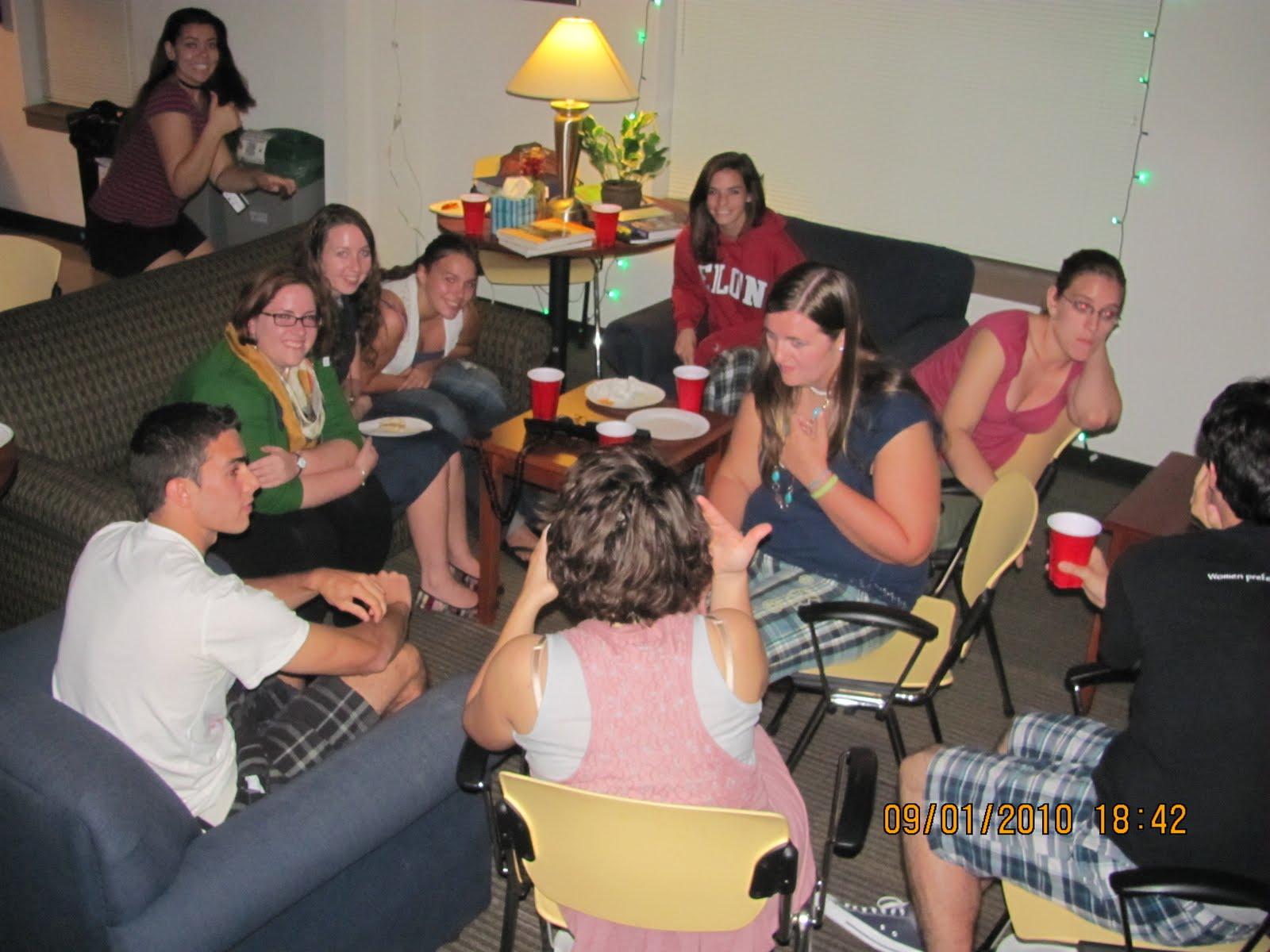 La casa de espa ol primera reuni n fall 2010 cumplea os - Cumpleanos en casa ...
