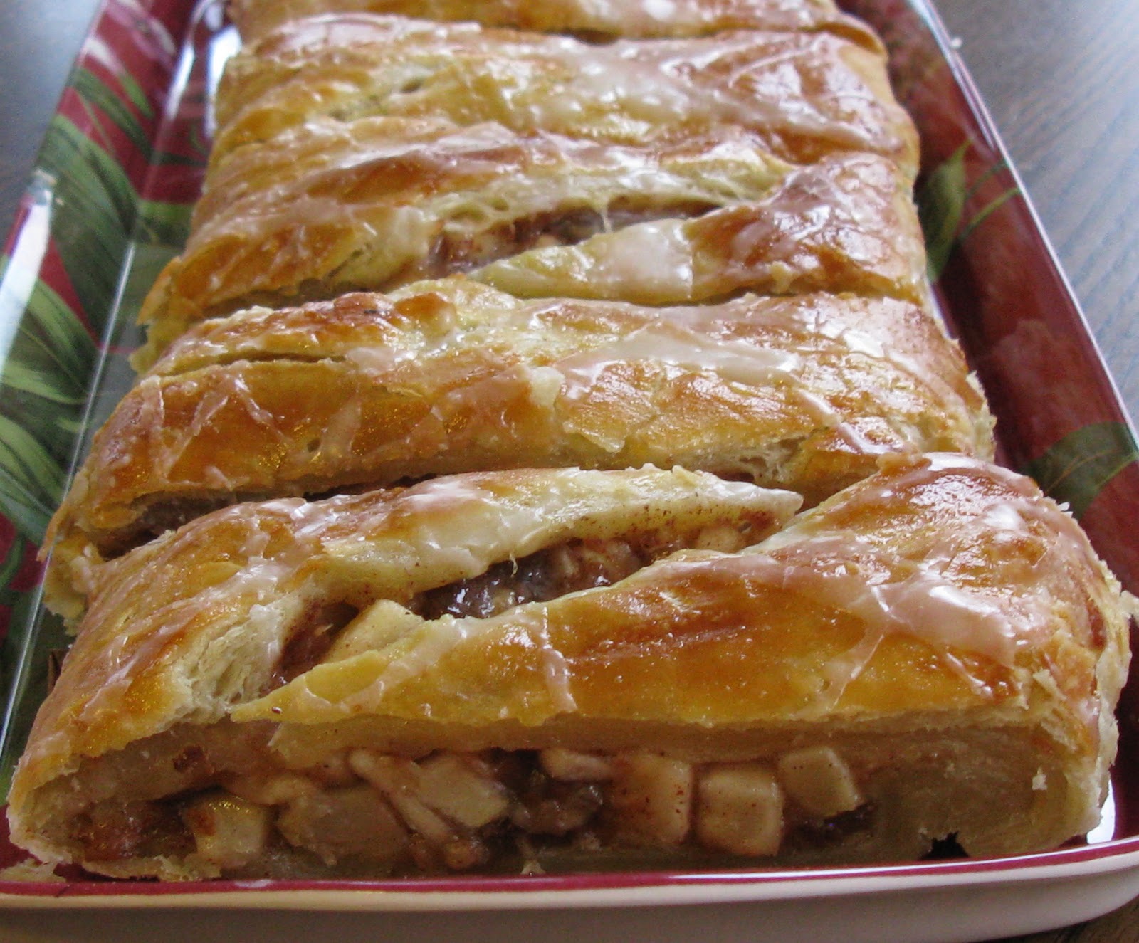 Food for A Hungry Soul: Apple and Date Turnover