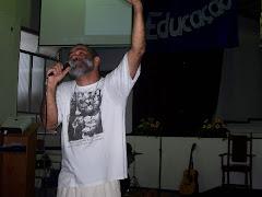 """O """"profeta"""" Tobias clama aos céus por  uma Igreja comprometida com a transformação social"""