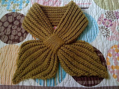 Central Knitting Pattern Library : FREE KNITTING PATTERN FOR A SCARFLETTE   KNITTING PATTERN