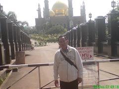 """Masjid """"Kubah Emas"""" Depok"""