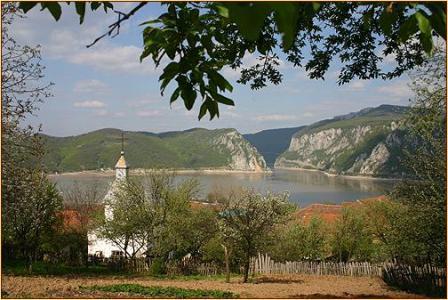 Biserica ortodoxa romana din Dubova