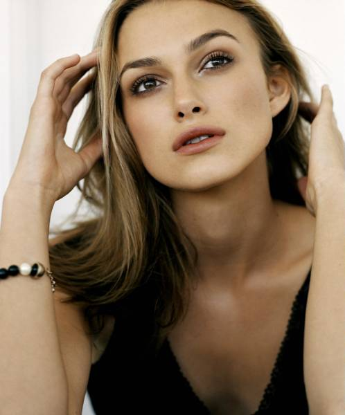 Natalie Portman And Keira Knightley In Star Wars. keira knightley vs natalie