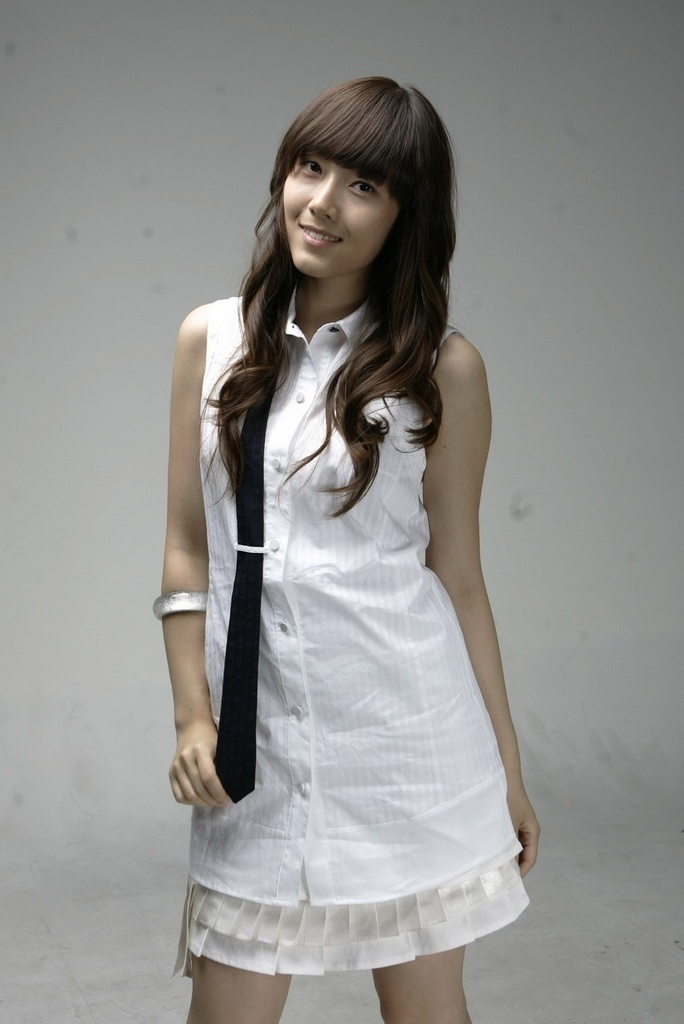http://3.bp.blogspot.com/_OJ3VoTHTwXI/TSlnTa1KRhI/AAAAAAAABL0/G5Llzp3GV6k/s1600/jessica-jung-girls-generation-snsd-9291451-684-1024.jpg