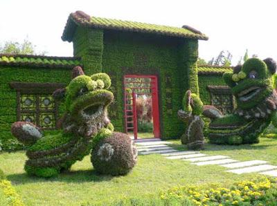 http://3.bp.blogspot.com/_OJrPXK_F-GQ/Sq08Z-50E0I/AAAAAAAAAX0/_1zlUkq8kCs/s400/Beijing+Olymic+topiary+garden.jpg