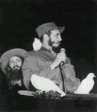 Camilo Cienfuengos e Fidel Castro em janeiro de 1959 - Havana
