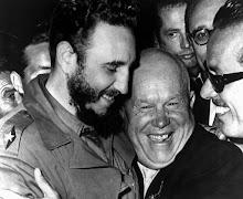 Fidel com Nikita Kruschev, líder da União das Repúblicas Socialistas Soviéticas (URSS)
