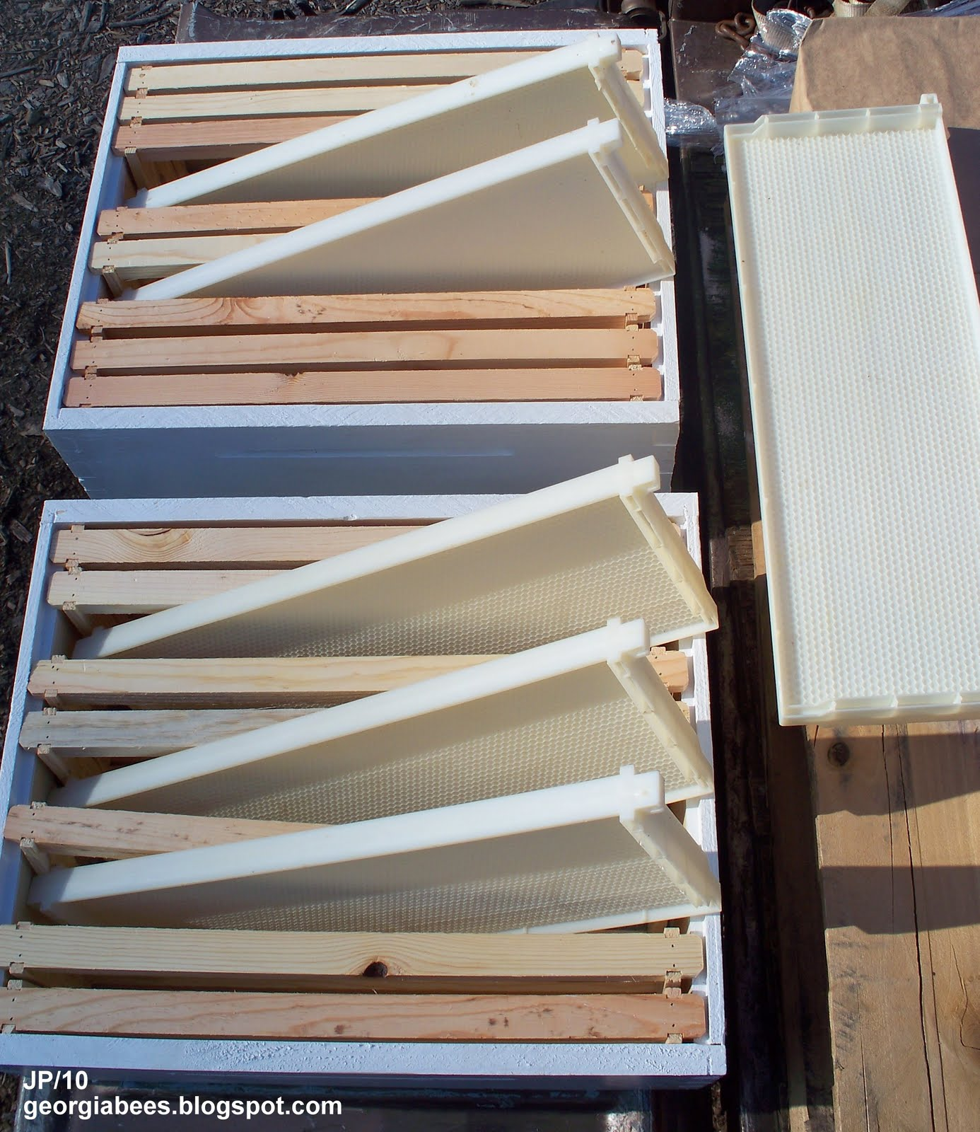 plastic frames beekeeping beehive plastic frame compared to wood with plastic foundation