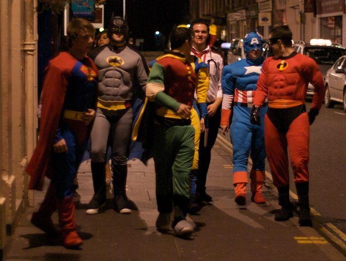 Pahlawan Super Jalan-Jalan Bareng