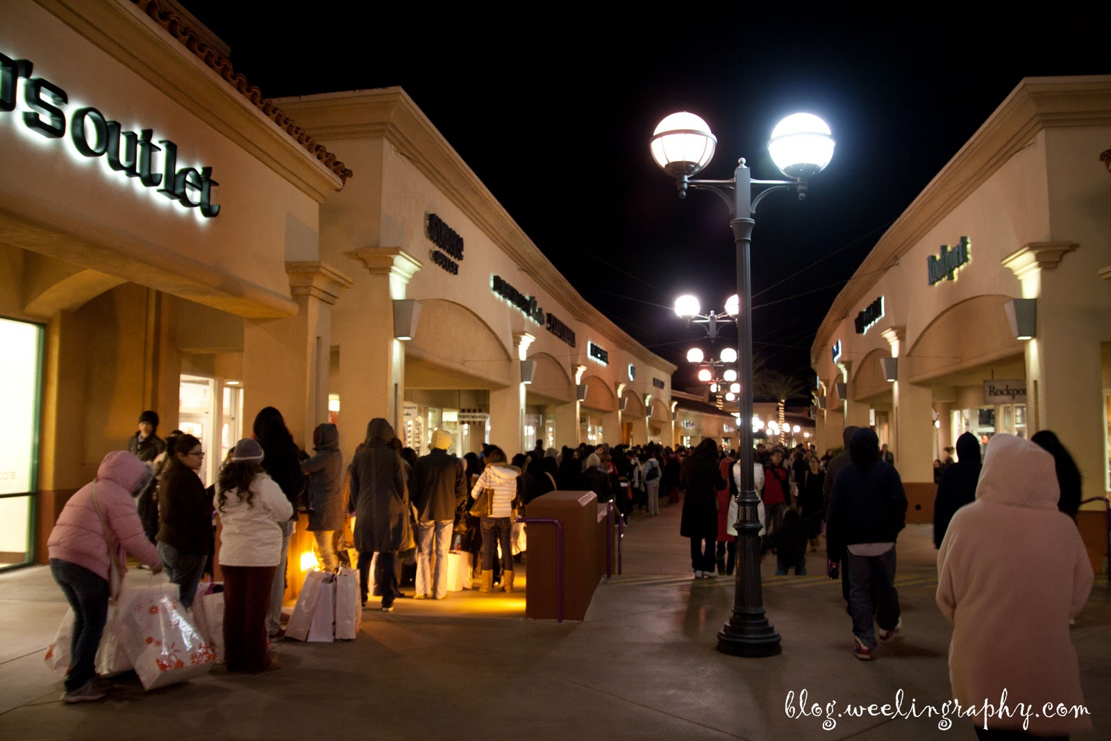 burberry cabazon outlet ryzw  queuing everywhere