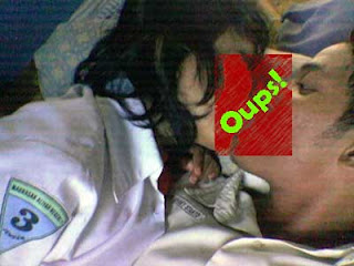 http://3.bp.blogspot.com/_ON1QYE9Ii8E/SUHRzPpbPyI/AAAAAAAAATc/shRrtTGQRIg/s400/video+mesum+pelajar.jpg