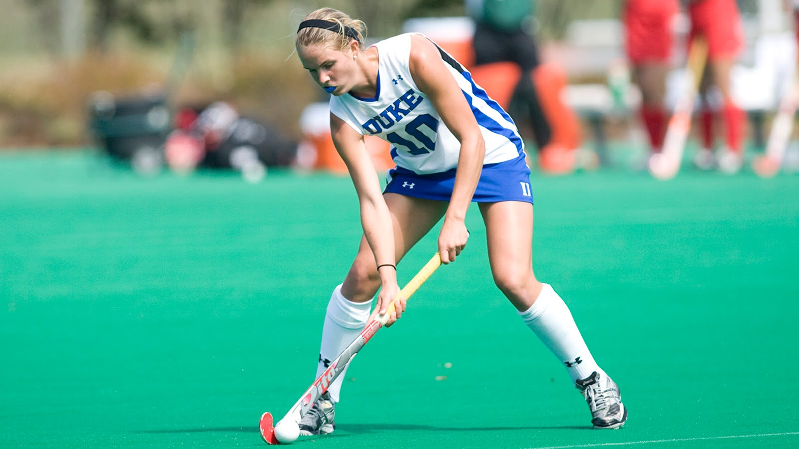essays about field hockey Field hockey is an organized team sport and a lot of fun to play it's different from ice hockey or roller hockey it's played with 11 players on a side, including a goalie.