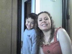 La doctora Claudia Patricia Neira, con su hijo Diego Andrés